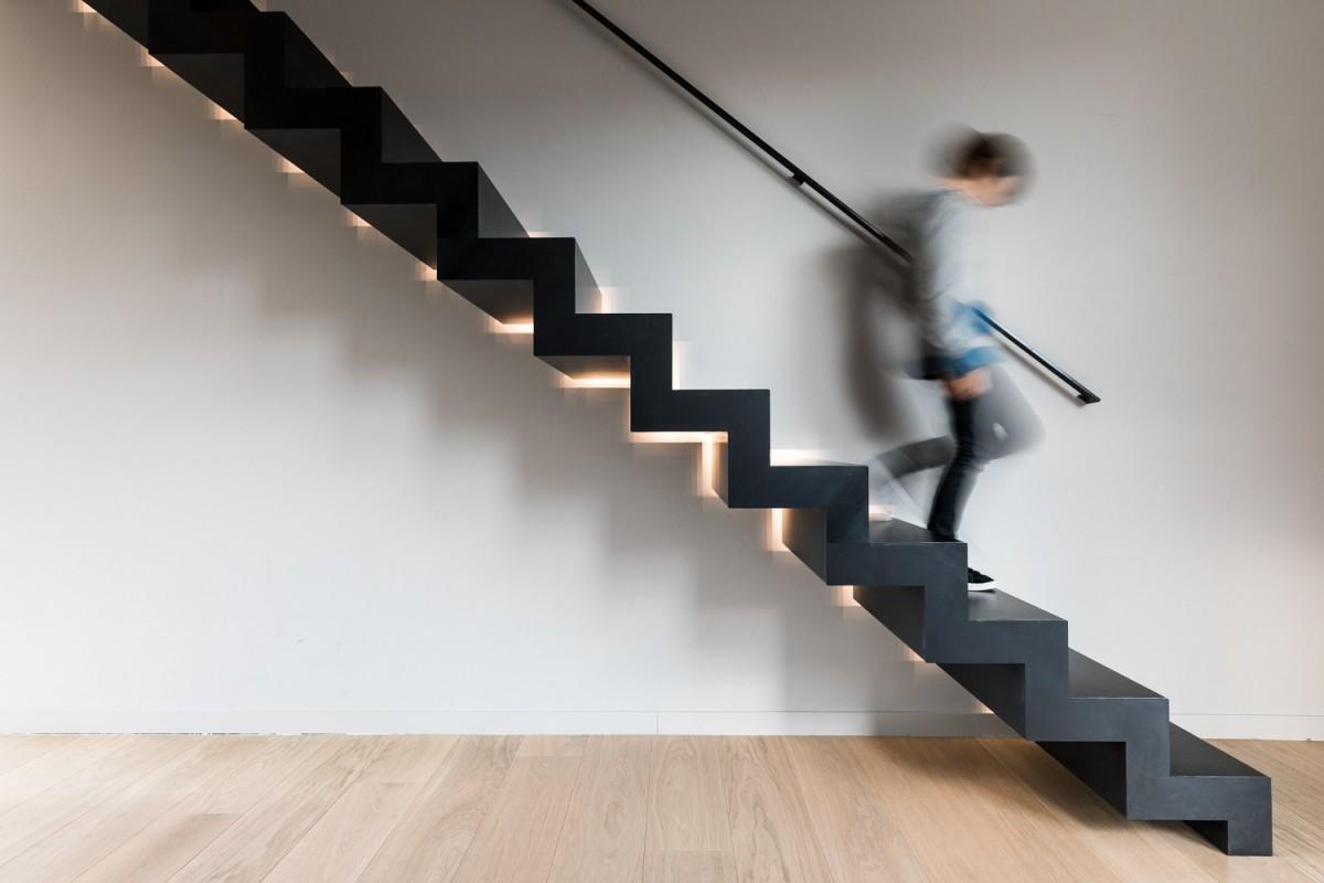 Ontdek onze moderne trappen en design trappen genico