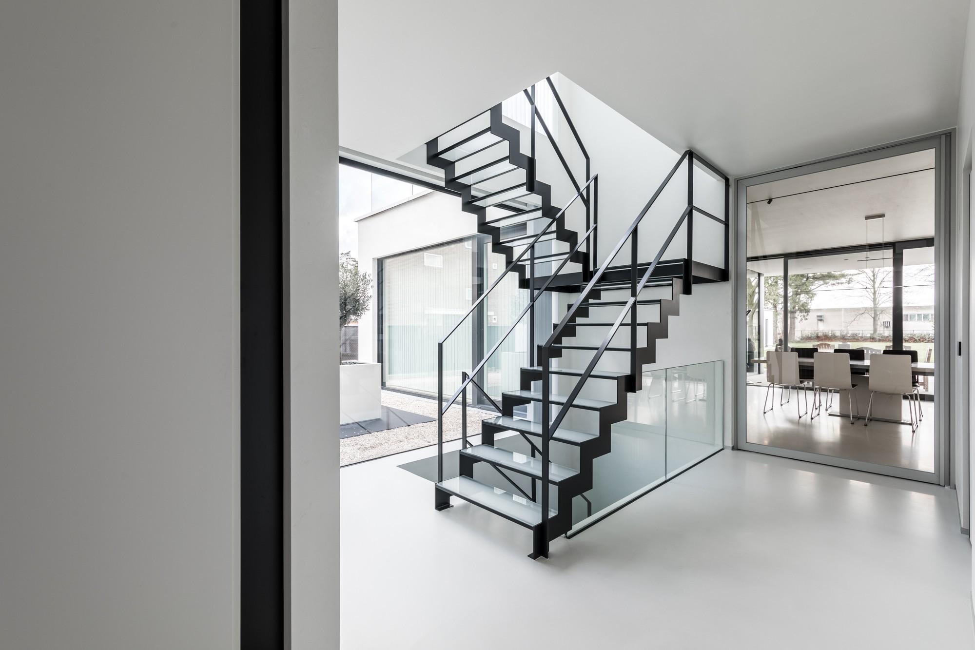 Thin glass: glazen trap laten plaatsen genico